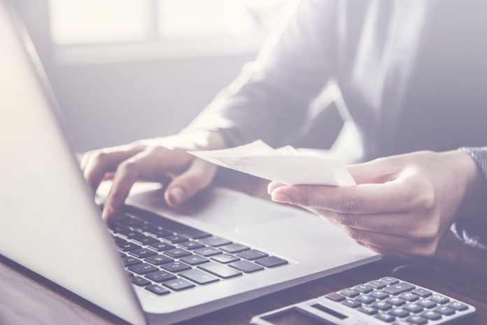 Como fazer pagamentos internacionais? Descubra as melhores formas