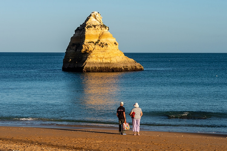 motivos para se aposentar no Algarve