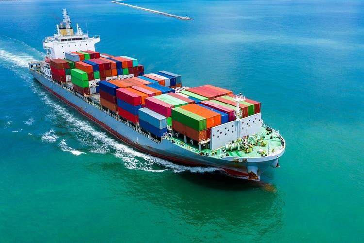 Levar mudança para Portugal navio