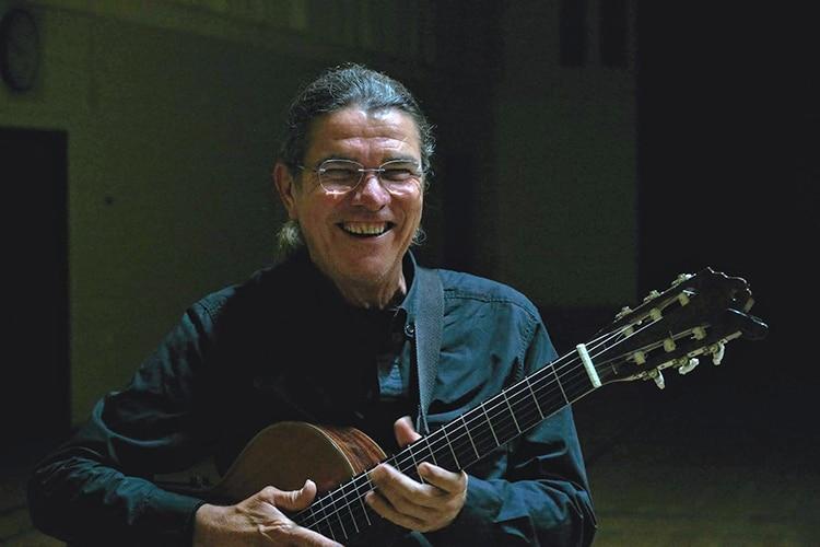 Paulinho Lêmos é músico brasileiro em Portugal
