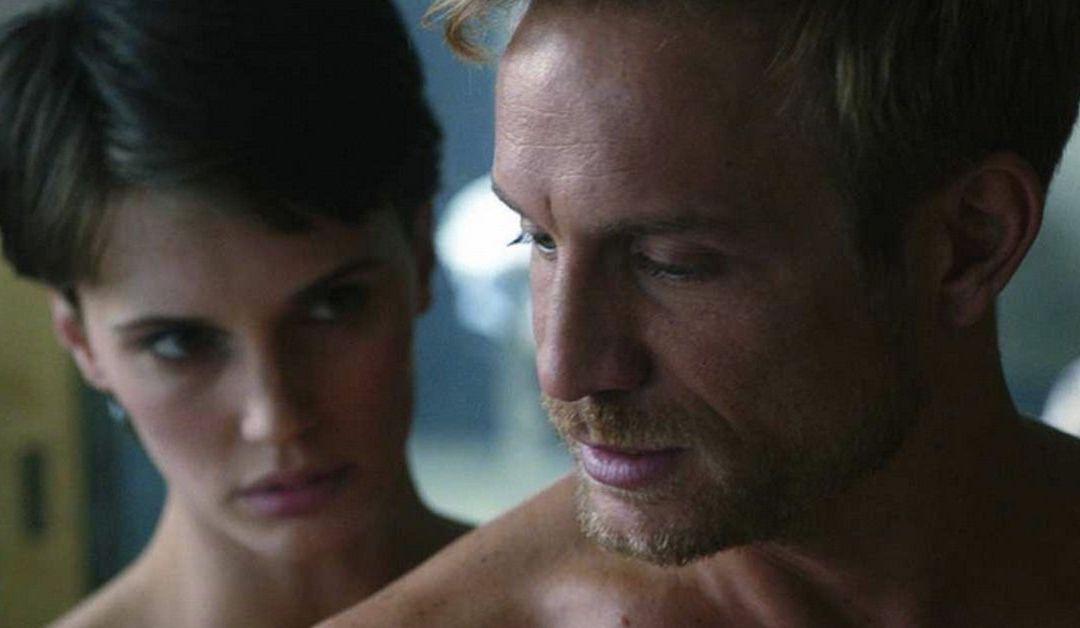 'El amante doble' de Ozon: un thriller provocador al estilo Cronenberg