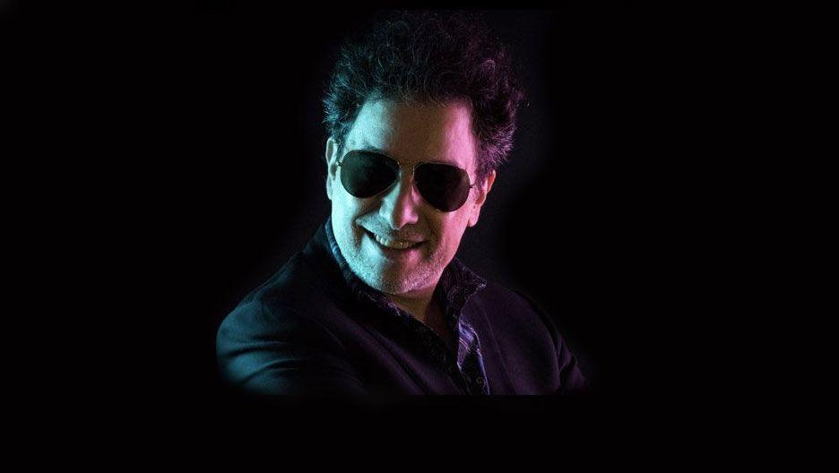 Calamaro lanza una versión bolero de 'Bohemio' junto a Julio Iglesias
