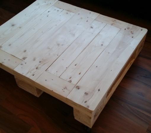 PalettenCouchtisch WEISS mit Rollen  Wohnzimmertisch aus Palettenholz  Europaletten kaufen