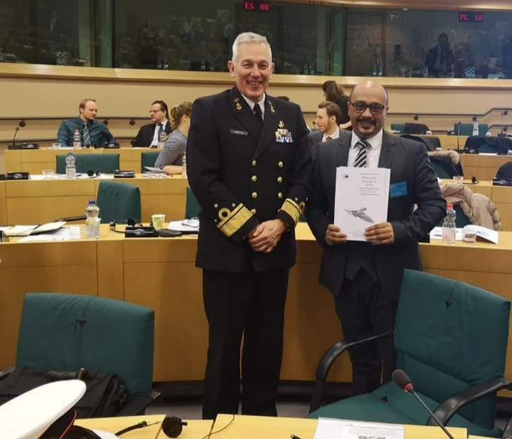 الأستاذ يوسف عبد القادر، عضو المركز الأوروبي من داخل مقر الناتو في بروكسل