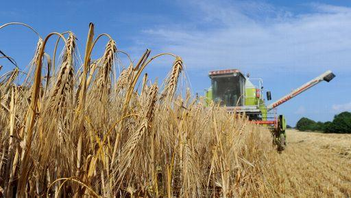 The harvest at a crop field in Kembs, Germany. Prices of essentials like wheat have risen sharply in the last few weeks. ©BELGA