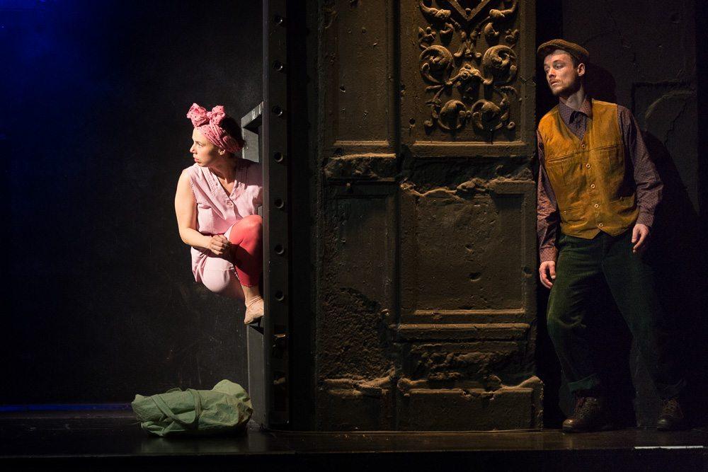Bluad, Roz und Wossa ergeben einen saftigen, prallen Theaterabend