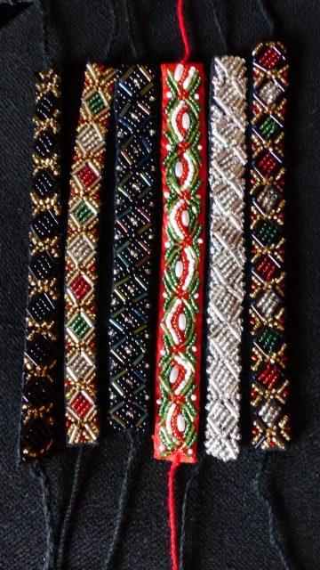 Perlenbestickte Armbänder aus der Markthalle Budapest (c) European Cultural News