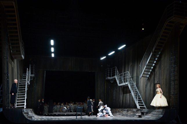 Die Passagierin Foto Oper Frankfurt (c) Barbara Aumüller