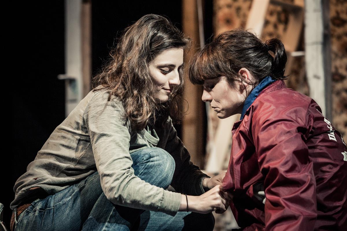 niemandsland-von-yael-ronen-und-ensemble © www.lupispuma.com / Schauspielhaus Graz