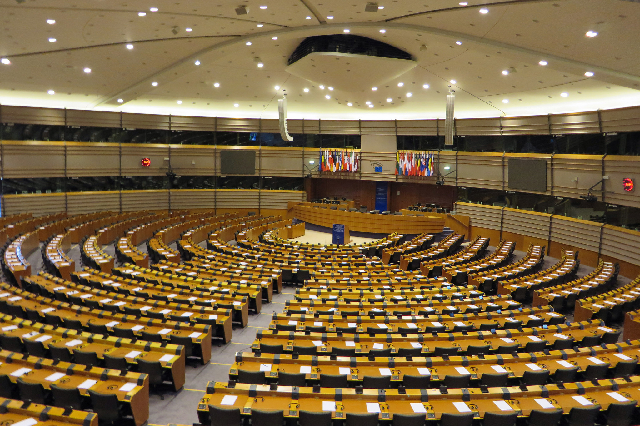 Spotlight on tobacco smuggling at European Parliament