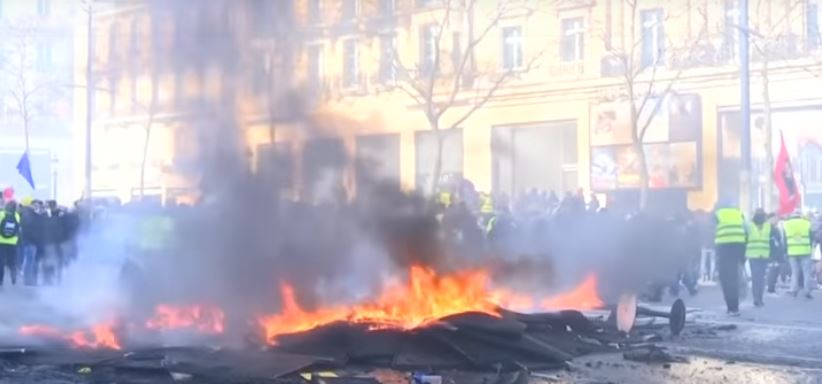 France Resorts to Military Troops to Guarantee Security during Yellow Vest Protests