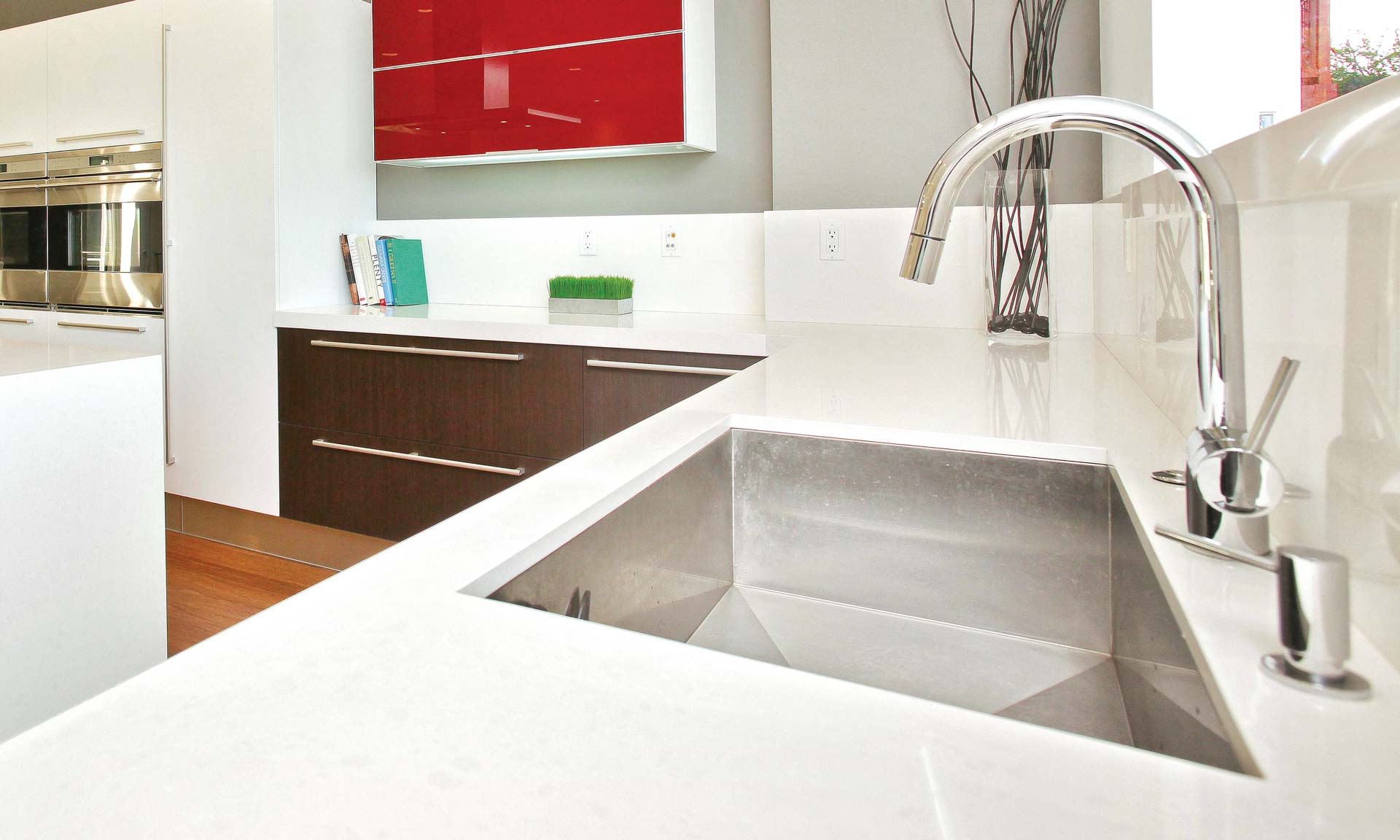 5 types of kitchen sinks and how to