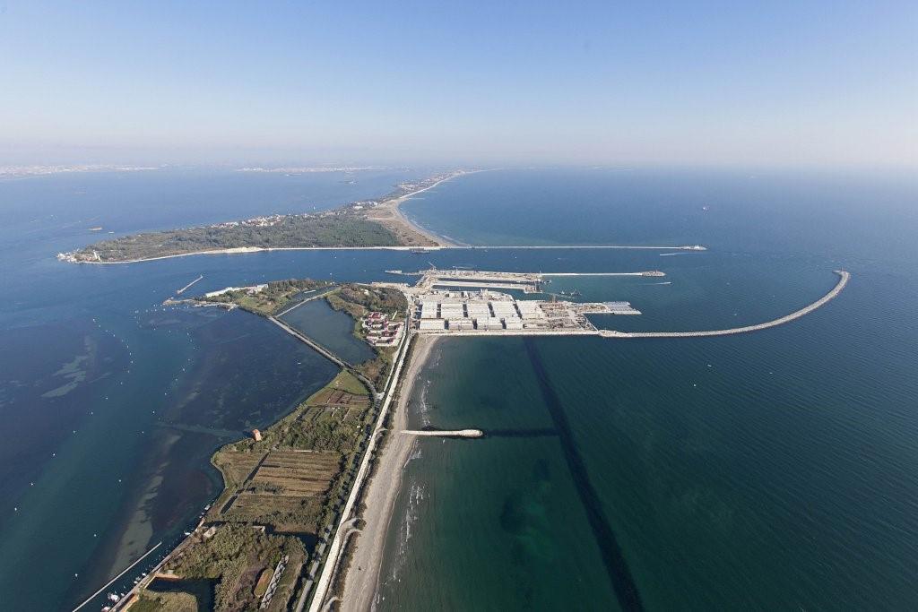 MOSE: una squallida storiaccia italiana di corruzione e degrado ambientale
