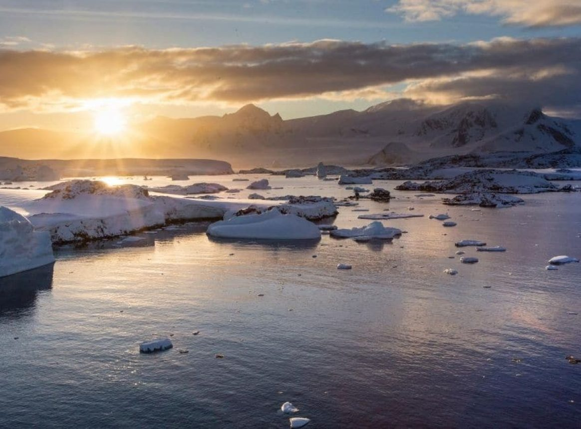 Discovery of first active methane leak in Antarctica