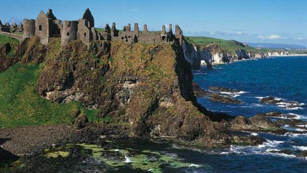 Dunluce Castle, inspiration for the Iron Islands (shannonprincess.com)