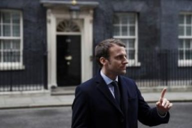 Macron10DowningSt