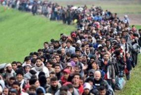migrantsmarching1