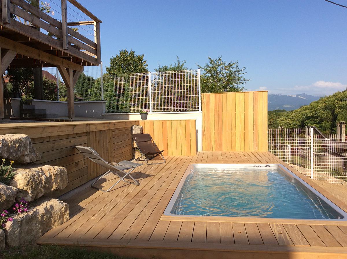 mini piscine et couloir de nage
