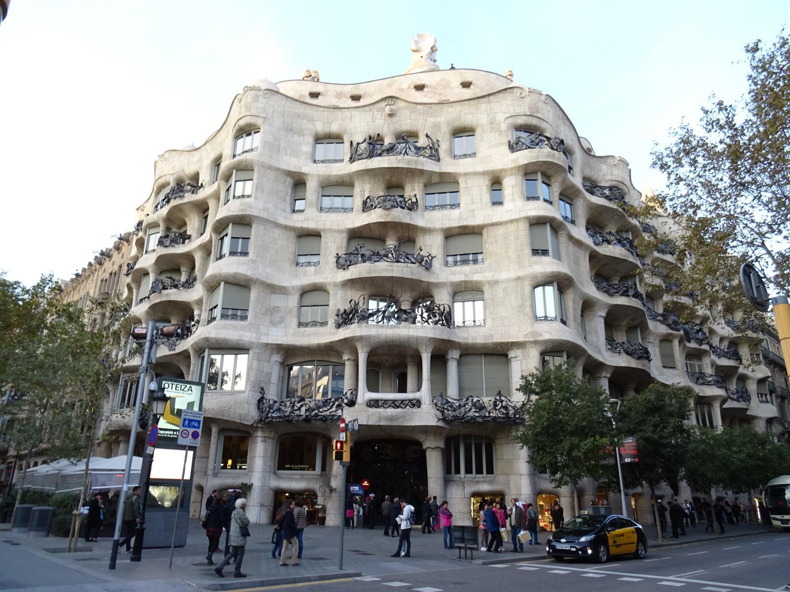 Bezoek Casa Mil  La Pedrera in Barcelona
