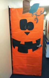 12 ideas para decorar la puerta de clase en Halloween ...