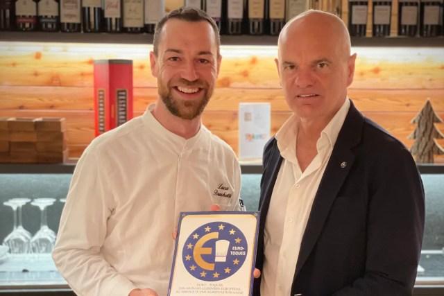 Lo chef Luca Bruschetti e il presidente di Euro-Toques Enrico Derflingher