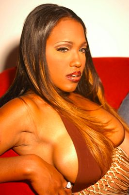 Sexy modeling Maia Campbell