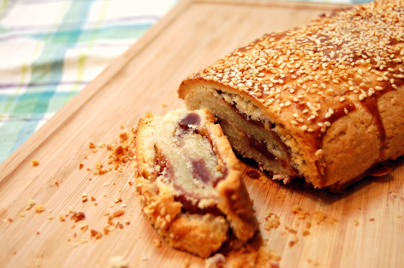 Chinese red bean pastry roll