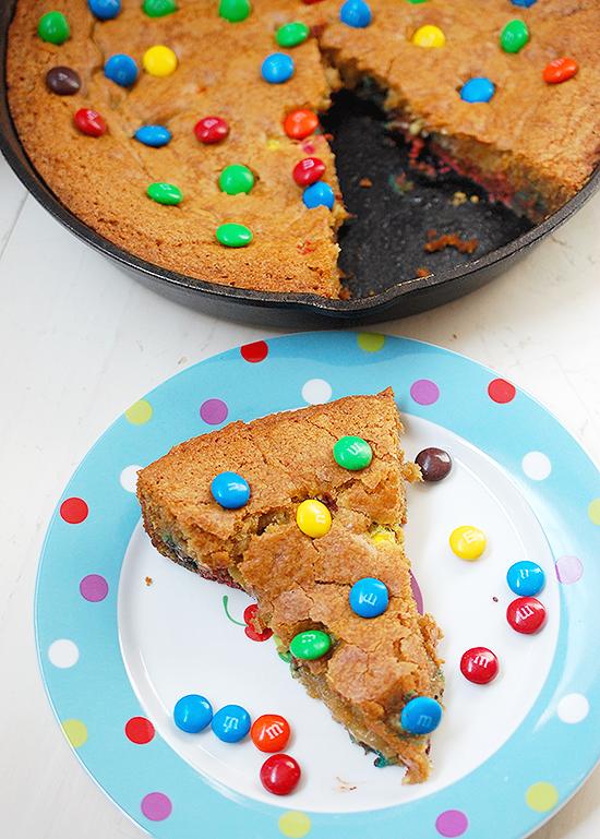 M&Ms skillet cookie