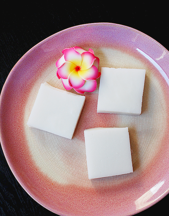 Hawaiian haupia (coconut pudding)