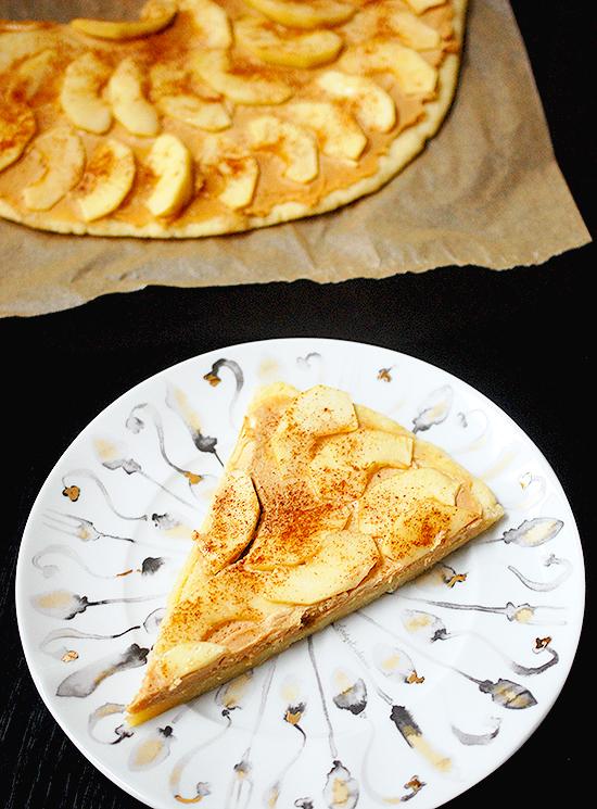 taffy apple pizza