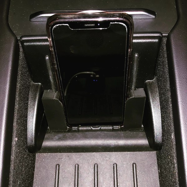 Mobile Phone Accessories For Tesla Vehicles