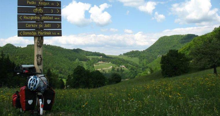 Slovenië-ergens-in-de-bergen-op-de-fiets