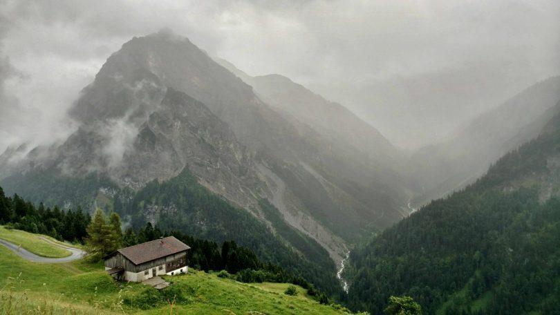 Alpien_buitje_weer_in_de_bergen