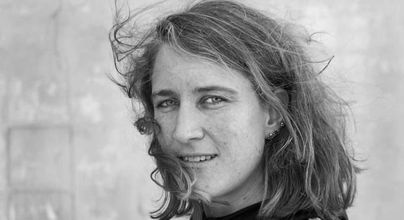 Zwart wit portret Eva Smeele