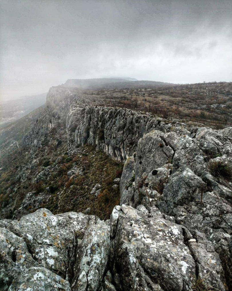 Via Dinarica HR Blue Trail | Stage 15: Kozjak, misty mountain above Split