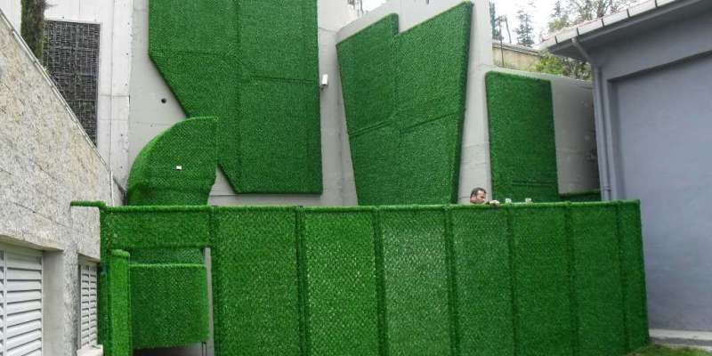 grass fence panels covering