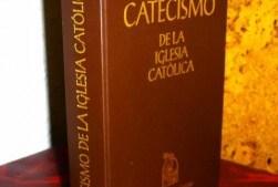 El catecismo de la Iglesia católica  elemental  para el católico. Formato pdf.
