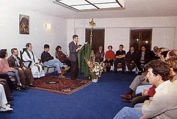 Necesidad de la Iglesia de revisar los programas de catequesis para los sacramentos.