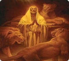 profeta-daniel-orando-entre-los-leones