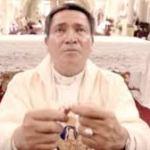 Ministerio de pre-bautismales San Pío X se reúne con  su párroco Juan Rodríguez.