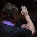 Creemos en el sacramento de la penitencia y reconciliación.