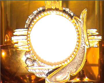 Risultato immagine per adorazione eucaristica