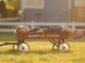 child in wagon