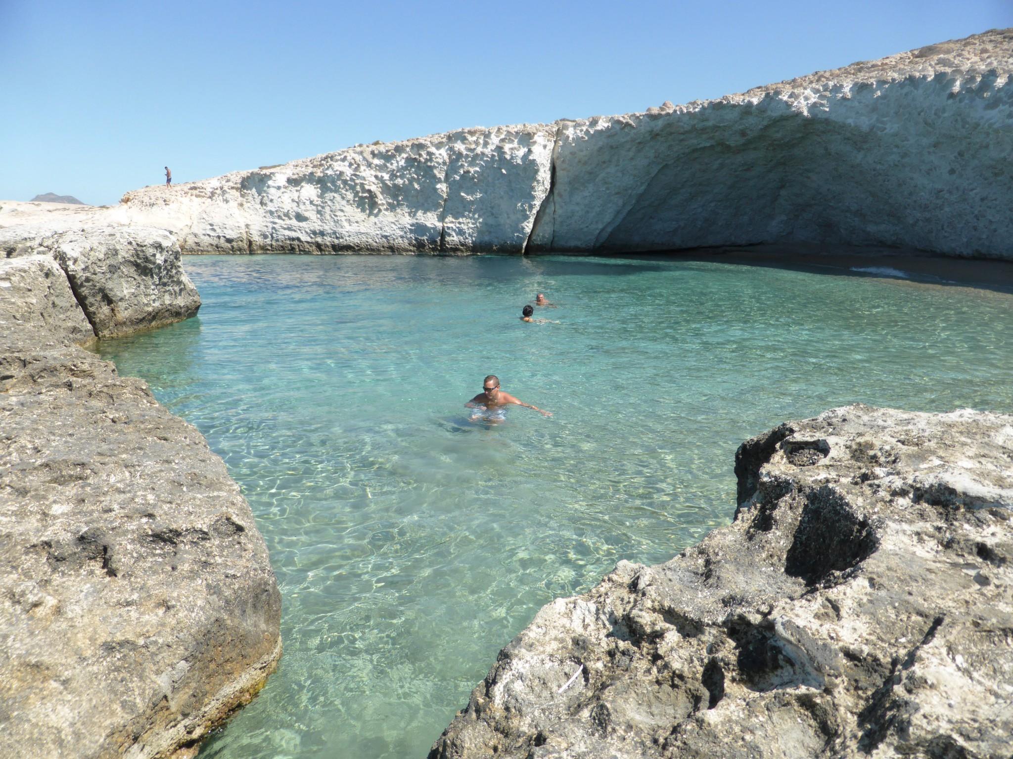 Milos Alogomandra Beach