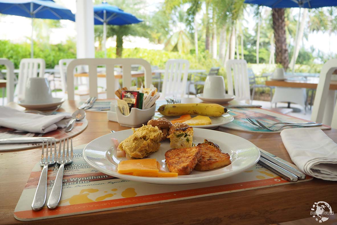 Petit déjeuner V Samana