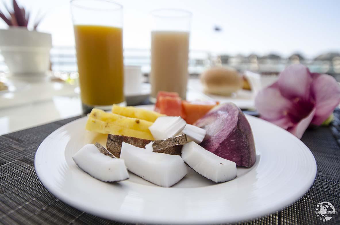 Que mange-t'on à Tahiti et ses îles ? Voici une sélection des plats typiques et des spécialités culinaires de Polynésie Française !