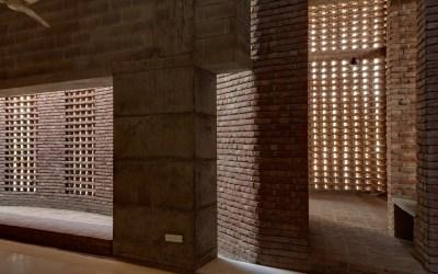 bait-ur-rouf-mosque-dhaka-bangladesh-marina-tabassum-architecture-cultural-buildings-bangladesh_dezeen_2364_col_16