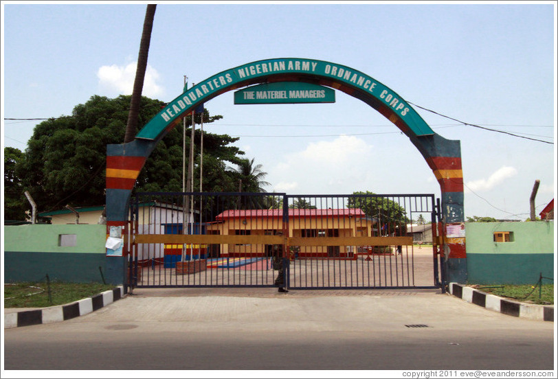 https://i0.wp.com/www.eveandersson.com/photos/nigeria/lagos-surulere-headquarters-nigerian-army-ordnance-corps-large.jpg