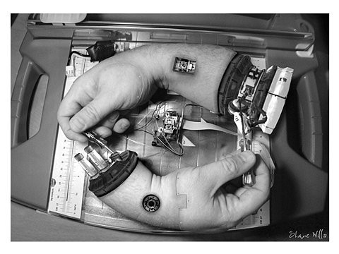 escher,fixing,hand,mechanical,robotic-2a7d8ee15d7b1e8b25cd0e36a472aba8_h