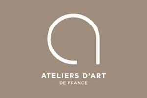 Evelyne Thiery est atelier d'art de France pour ses bijoux fantaisie haut de gamme
